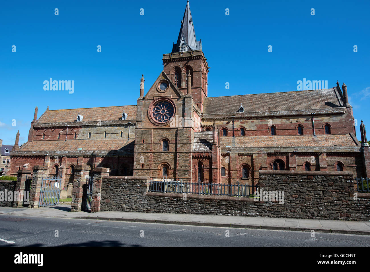 St Magnus Cathedral, in Kirkwall on the Orkney Isles.  eco 10,588 - Stock Image
