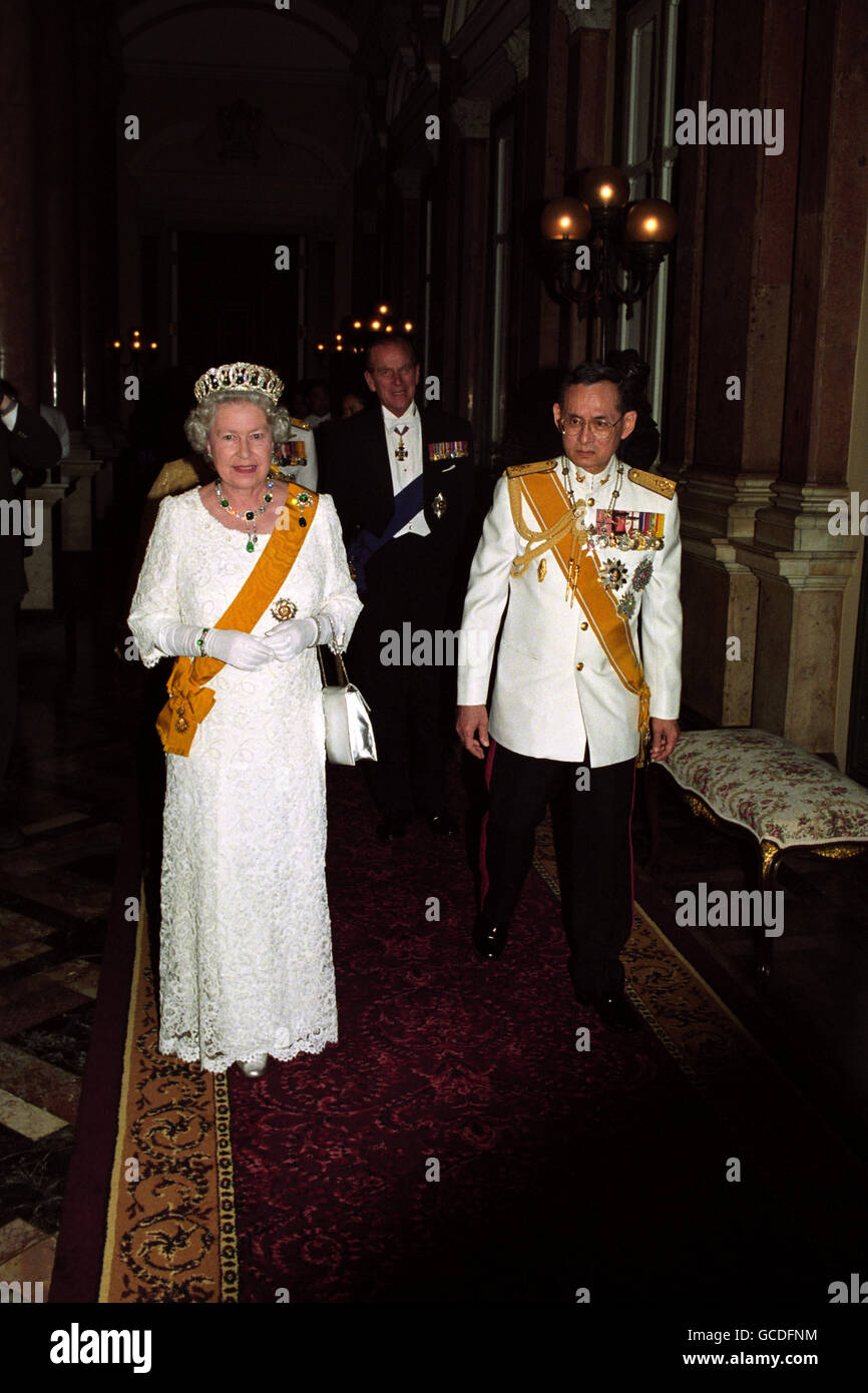 Royalty - Queen Elizabeth II State Visit to Thailand - Stock Image