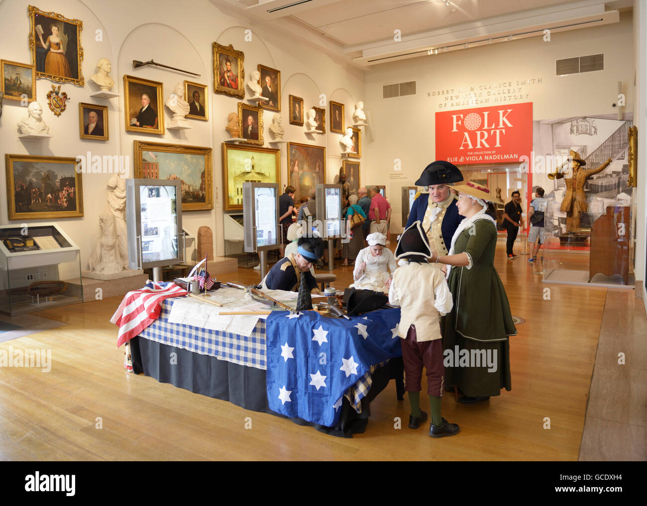 New York Historical Society Museum with colonial actors - Stock Image