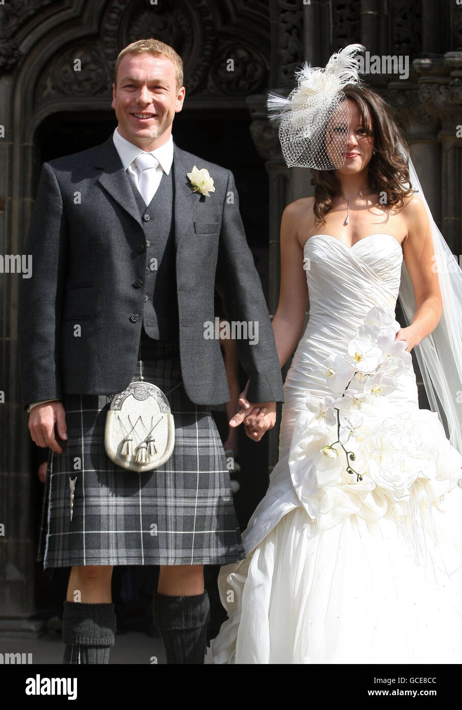 Sir Chris Hoy And Sarah Kemp Depart After Their Wedding At St Giles Stock Photo Alamy