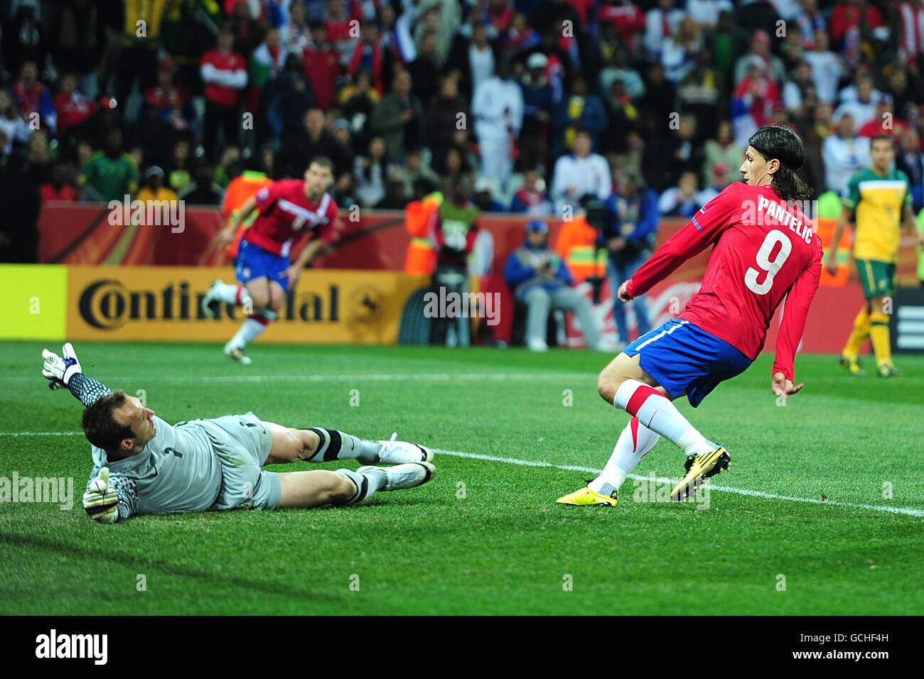 Soccer - 2010 FIFA World Cup South Africa - Group D - Australia v Serbia -  Mbombela Stadium 54895f863464c