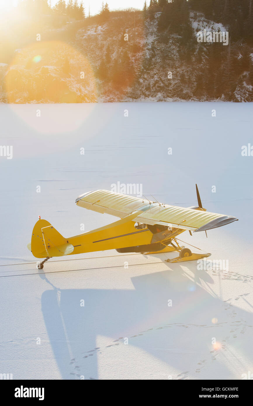 Piper PA-18 Super Cub on skis, Southcentral Alaska. - Stock Image