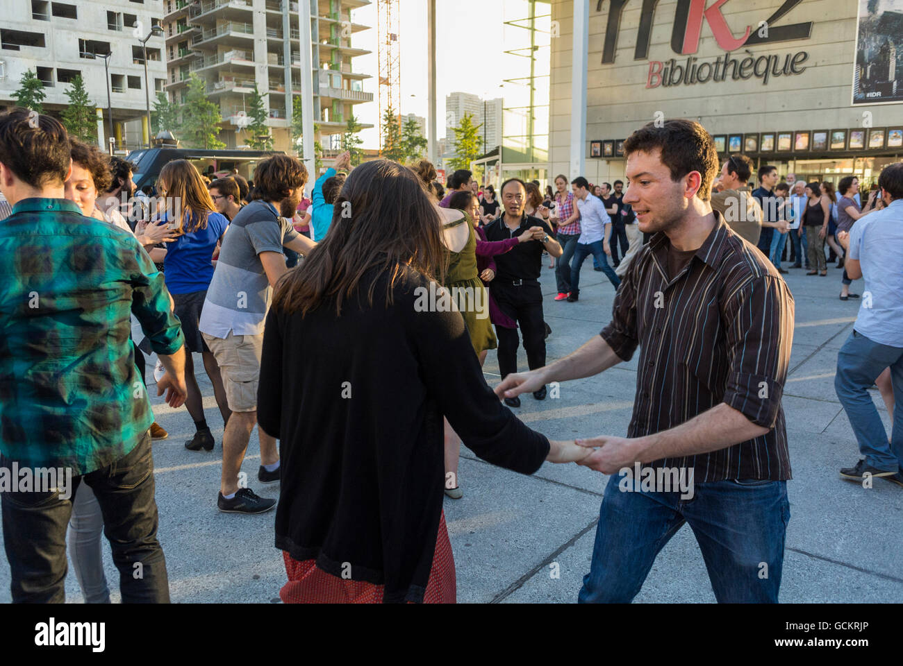 Paris, France, Crowd of French Couples, Swing Dancing on Street in Bibliotheque Neighborhood - Stock Image