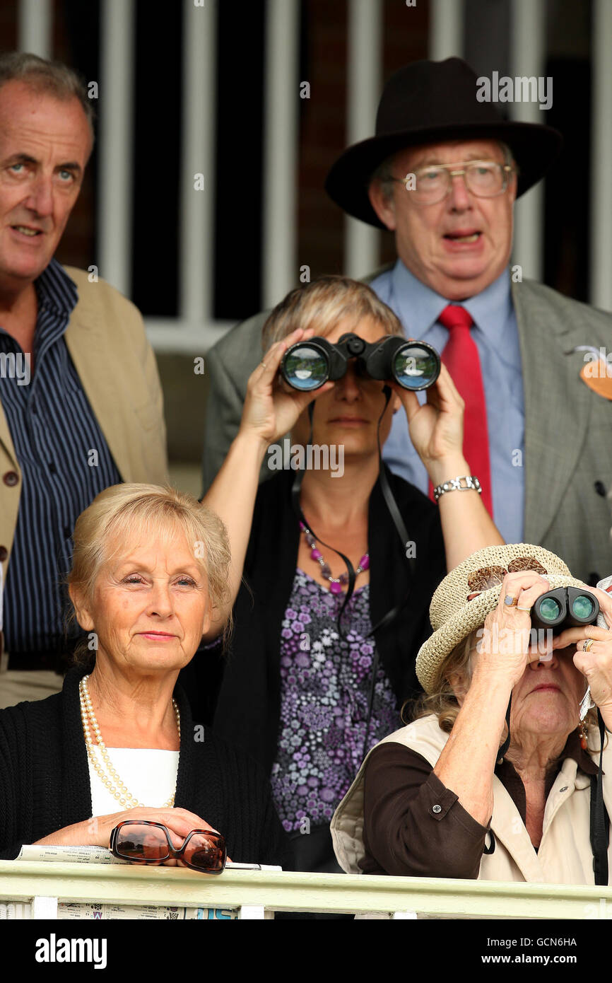 Horse Racing Spectators Stock Photos & Horse Racing Spectators Stock