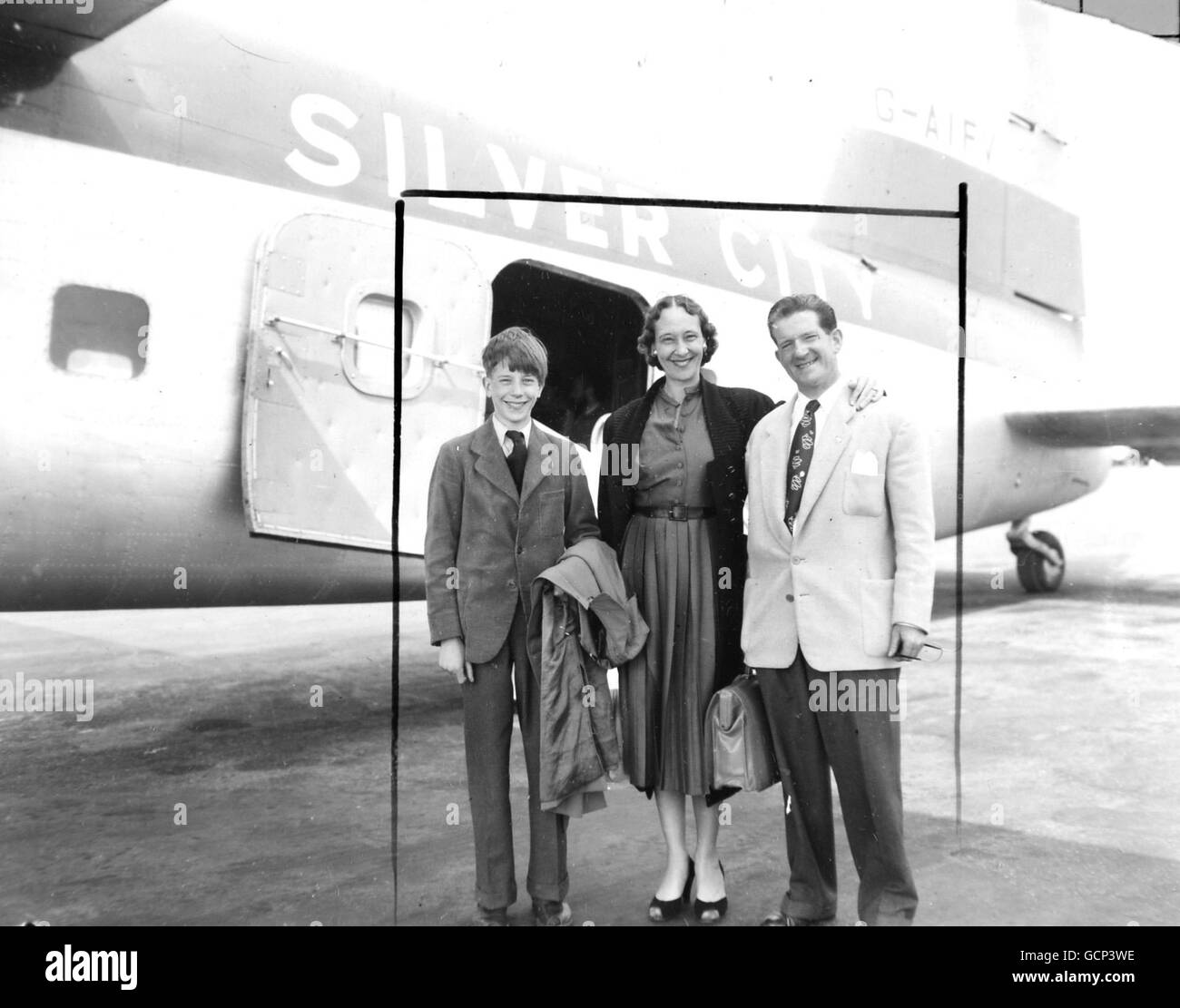 Entertainment - Ted Ray with his Wife and Son - Lympe Airport, Kent - Stock Image