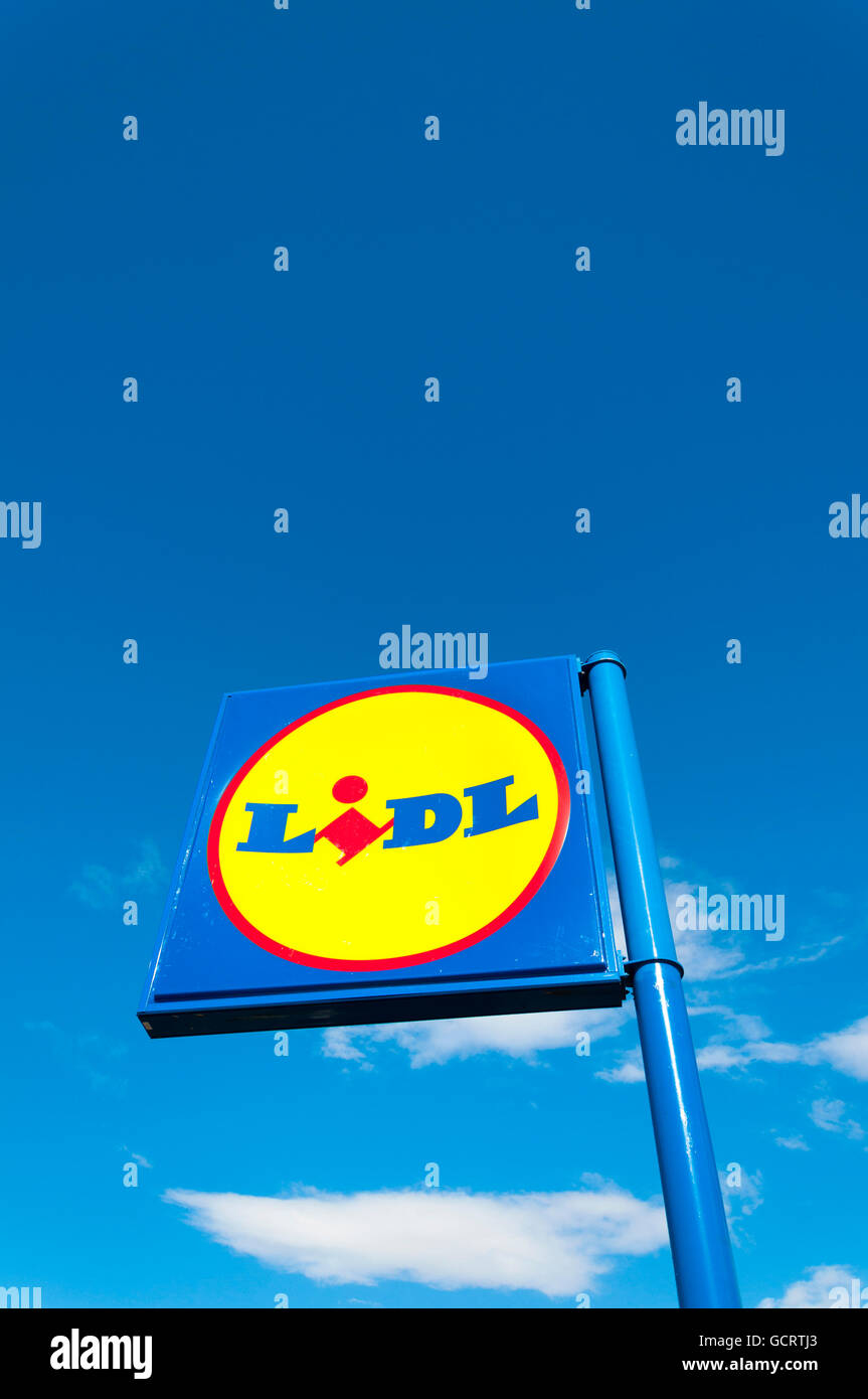 Lidl sign signage for low cost supermarket - Stock Image