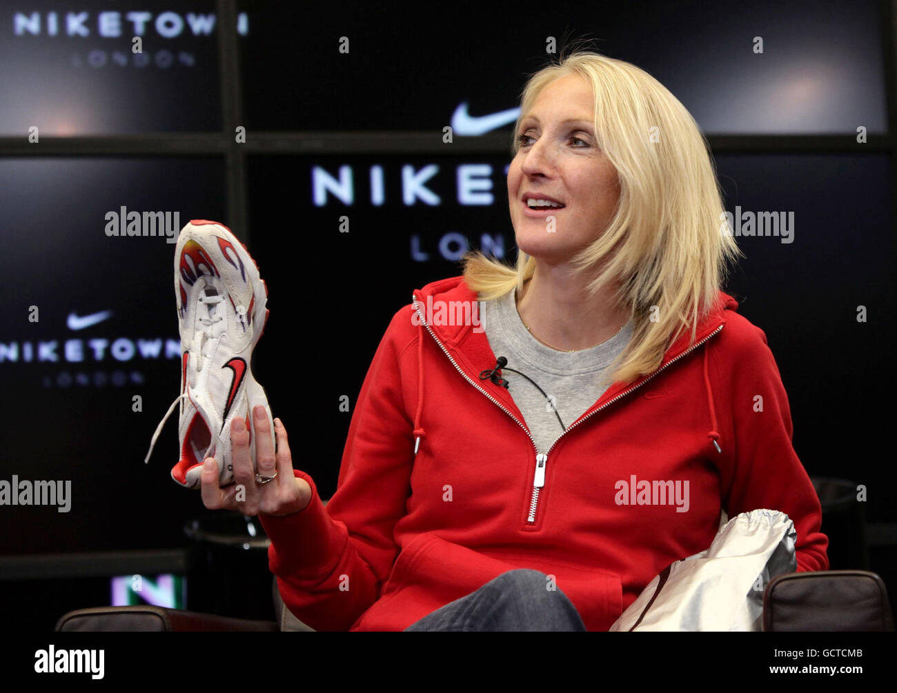Paula Radcliffe Holds Her Old Nike