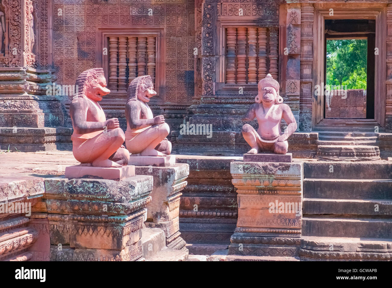Ancient stone statues in Angkor Wat complex, Siem Reap, Cambodia. UNESCO World Heritage Site. - Stock Image
