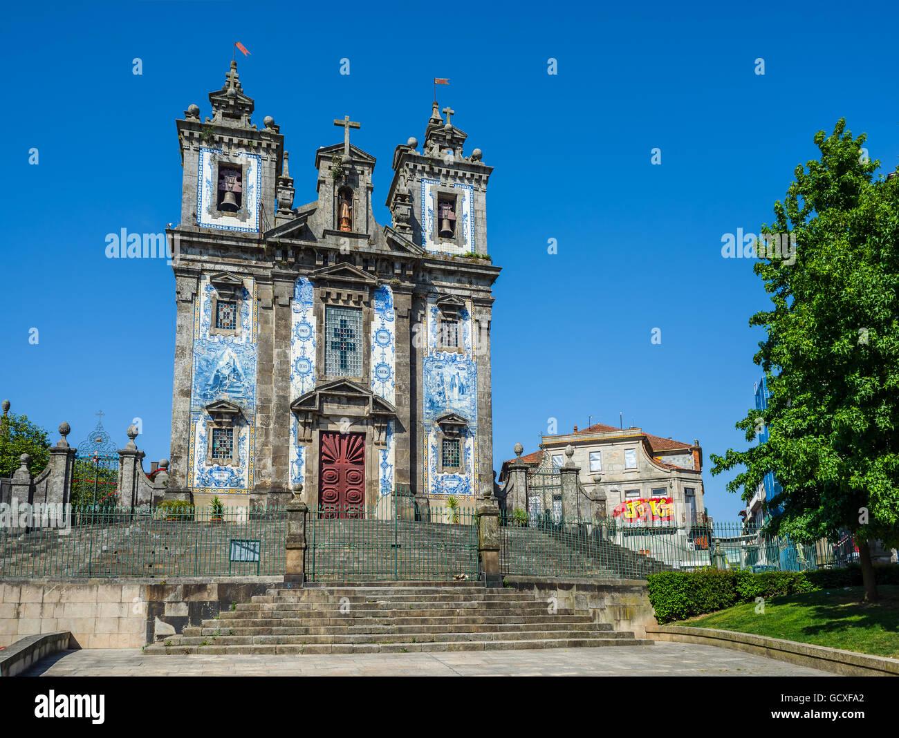 Principal facade of Igreja de Santo Ildefonso church in Porto, Portugal - Stock Image