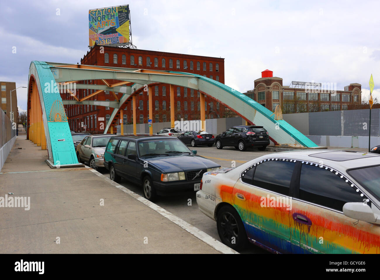 Station North Arts district in Baltimore with the Design school in the background - Stock Image