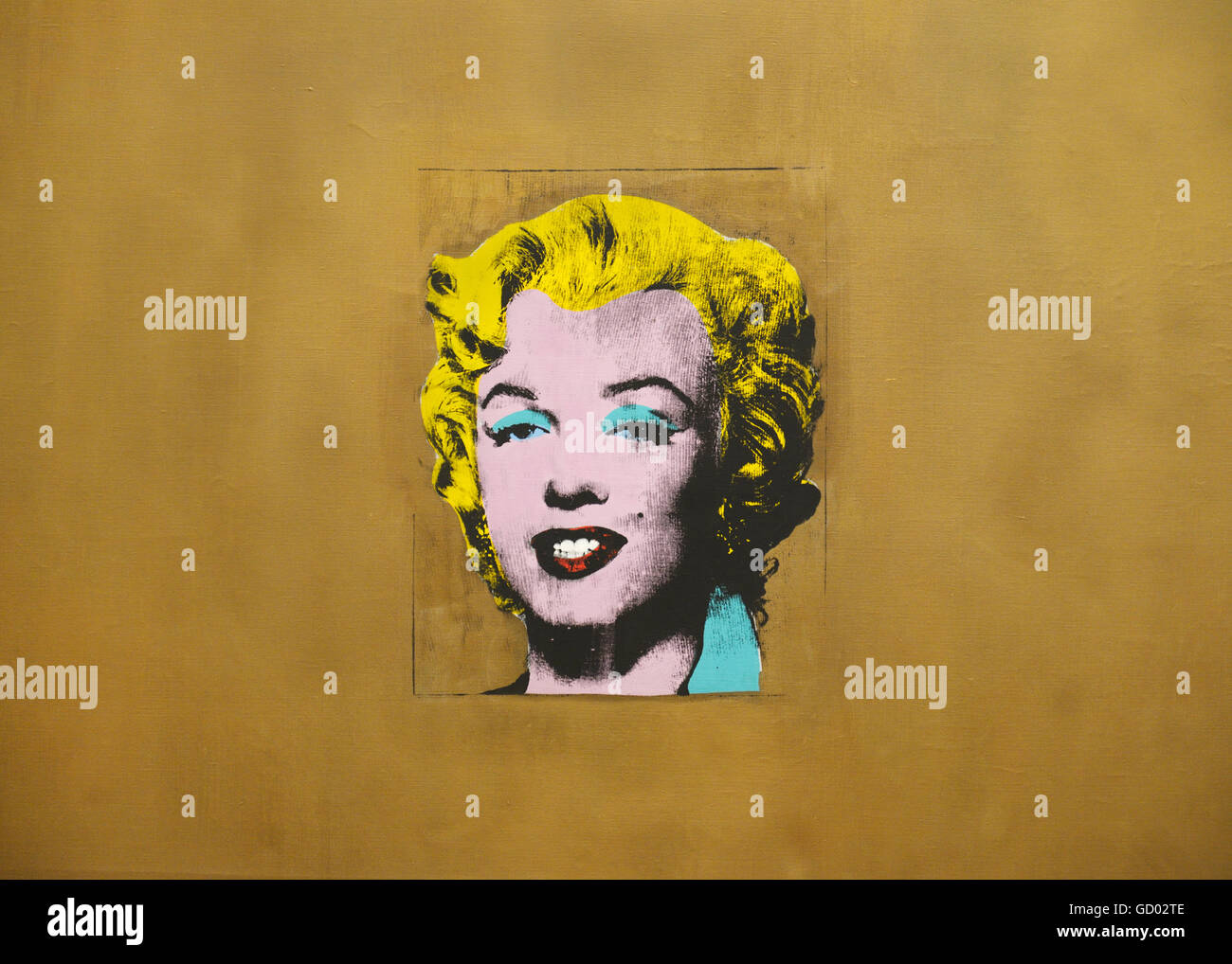 Marilyn Monroe Painting Stock Photos & Marilyn Monroe Painting Stock ...