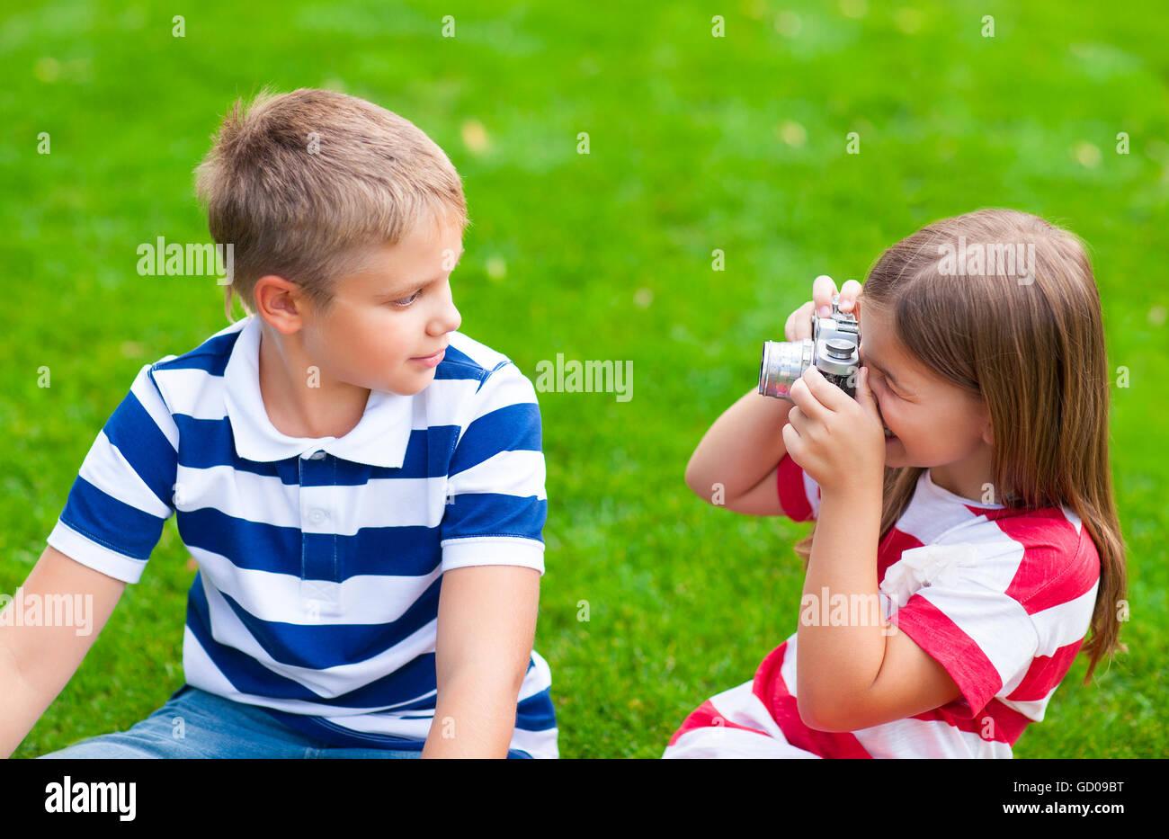 Сестра возбудила своего брата и его друга, Сестра возбудила брата и трахалась с ним - порнофаза 7 фотография