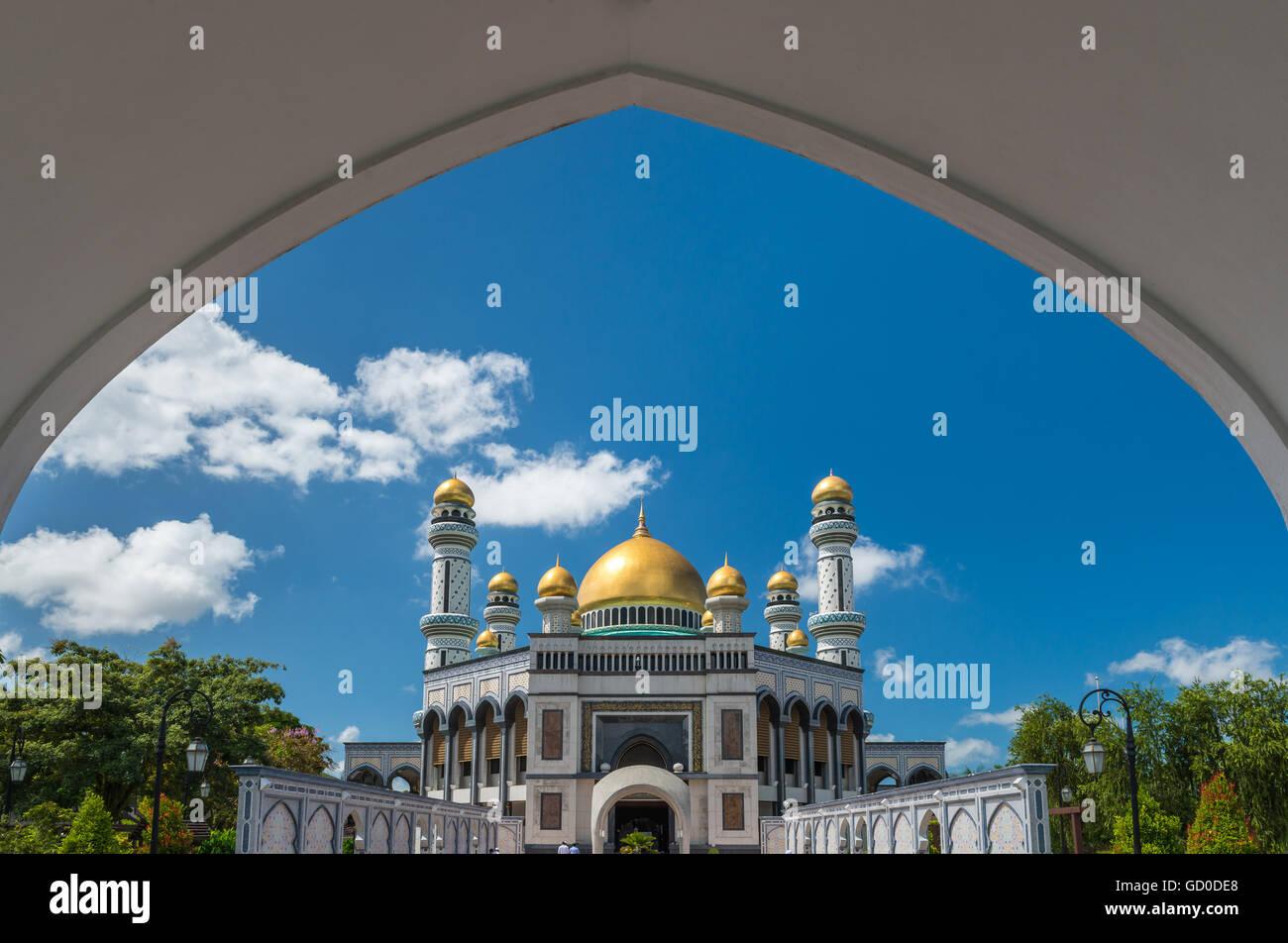 Jame'Asr Hassanil Bolkiah Mosque in Bandar Seri Begawan, Brunei. - Stock Image