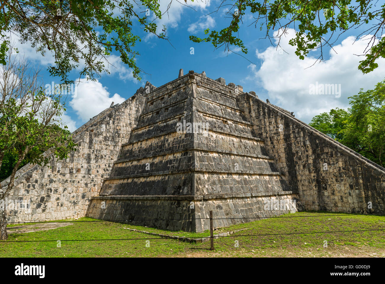 The ancient Mayan pyramids at Chichen Itza, Mexico. - Stock Image