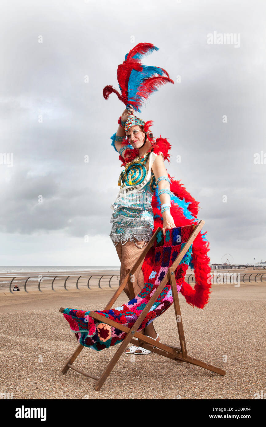 blackpool-uk-10th-july-2016-showgirl-miss-informed-jenny-wilson-and-GD0KX4.jpg