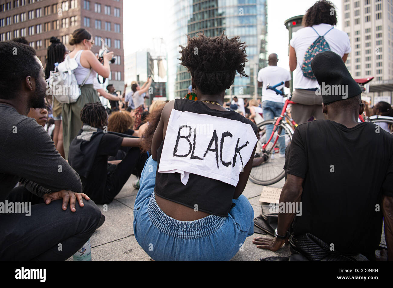 Berlin, Germany. 10th July, 2016. A demonstrator with a sign reading 'Black' at a solidarity demonstration - Stock Image
