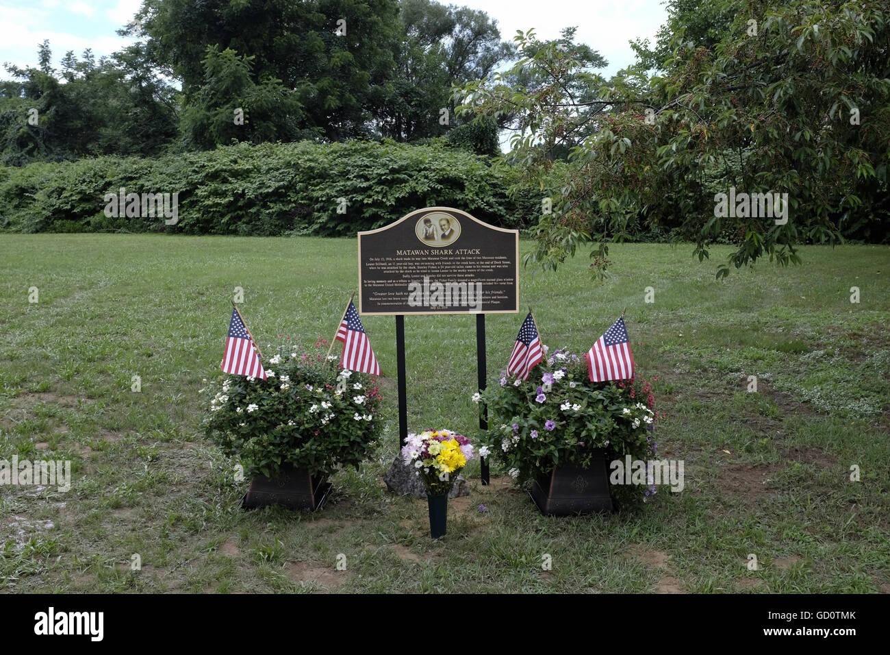 Plaque commemorating the two citizens killed in the New Jersey shore shark attacks in July 1916 in Matawan, NJ - Stock Image