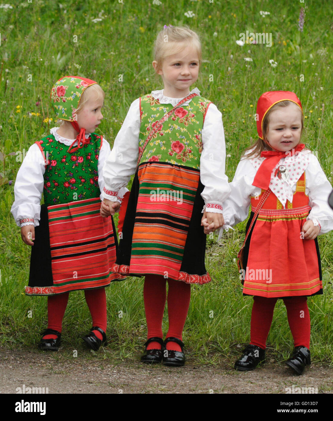 People in different age celebrate Midsummer in Dalarna - Stock Image