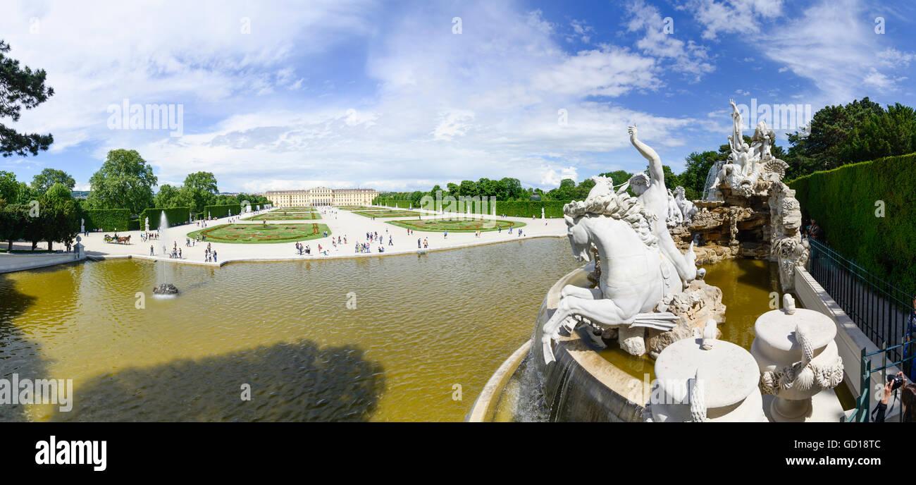 Wien, Vienna: Schönbrunn Palace : view of the Neptune Fountain to the Castle, Austria, Wien, 13. - Stock Image