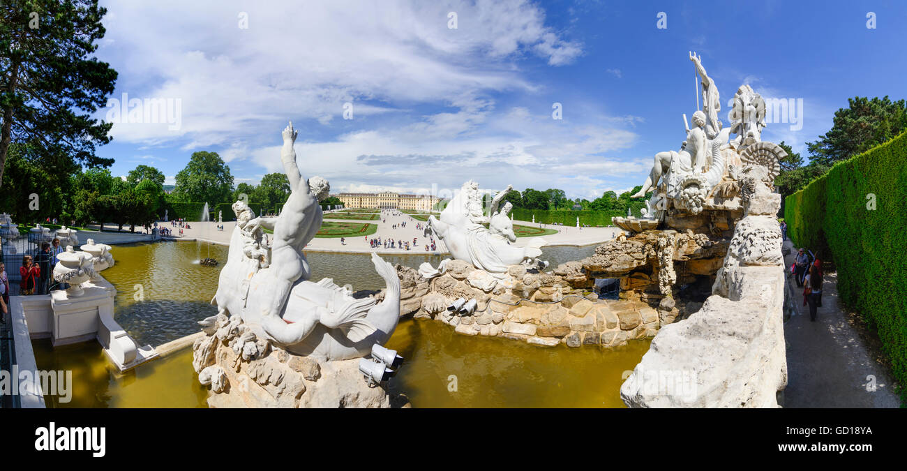 Wien, Vienna: Schönbrunn Palace : view of the Neptune Fountain to the Castle, Austria, Wien, 13. - Stock Image