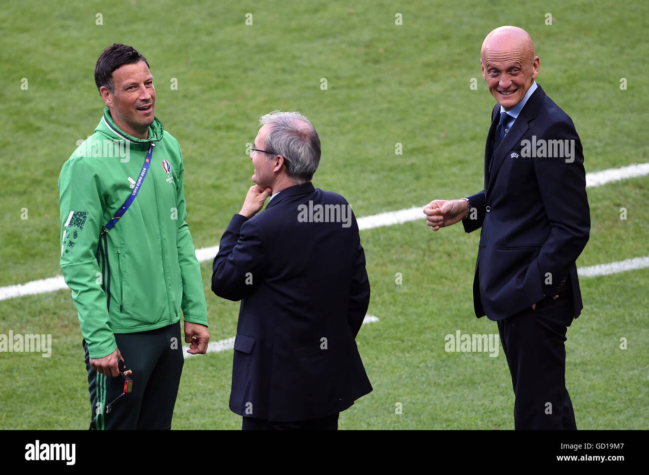 90890a971ec Referee Mark Clattenberg (left) and UEFA s chief refereeing officer Pierluigi  Collina (right) before the UEFA Euro 2016 Final at the Stade de France