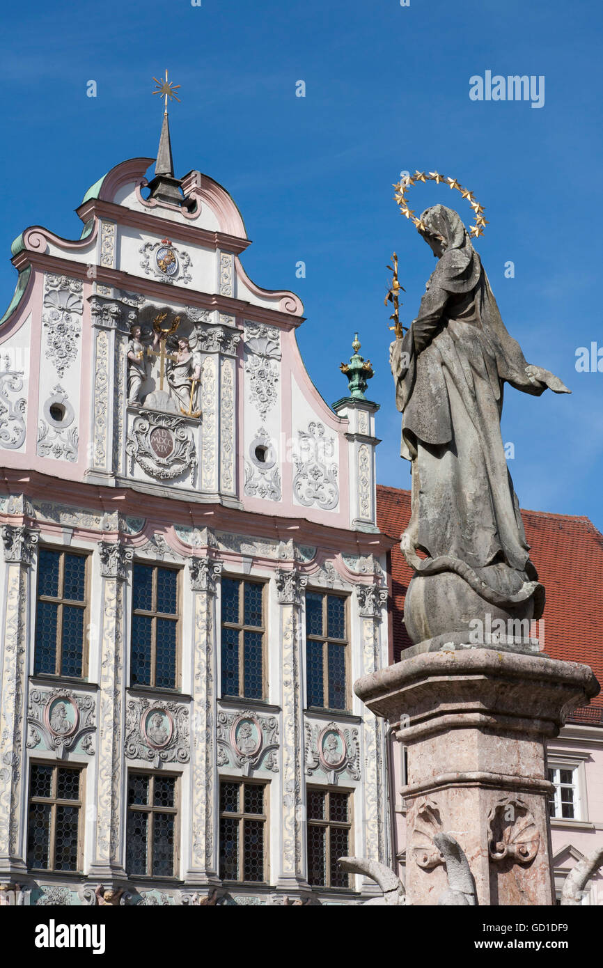 Marienbrunnen fountain in front of city hall with stucco facade from 1719, Landsberg am Lech, Bavaria - Stock Image