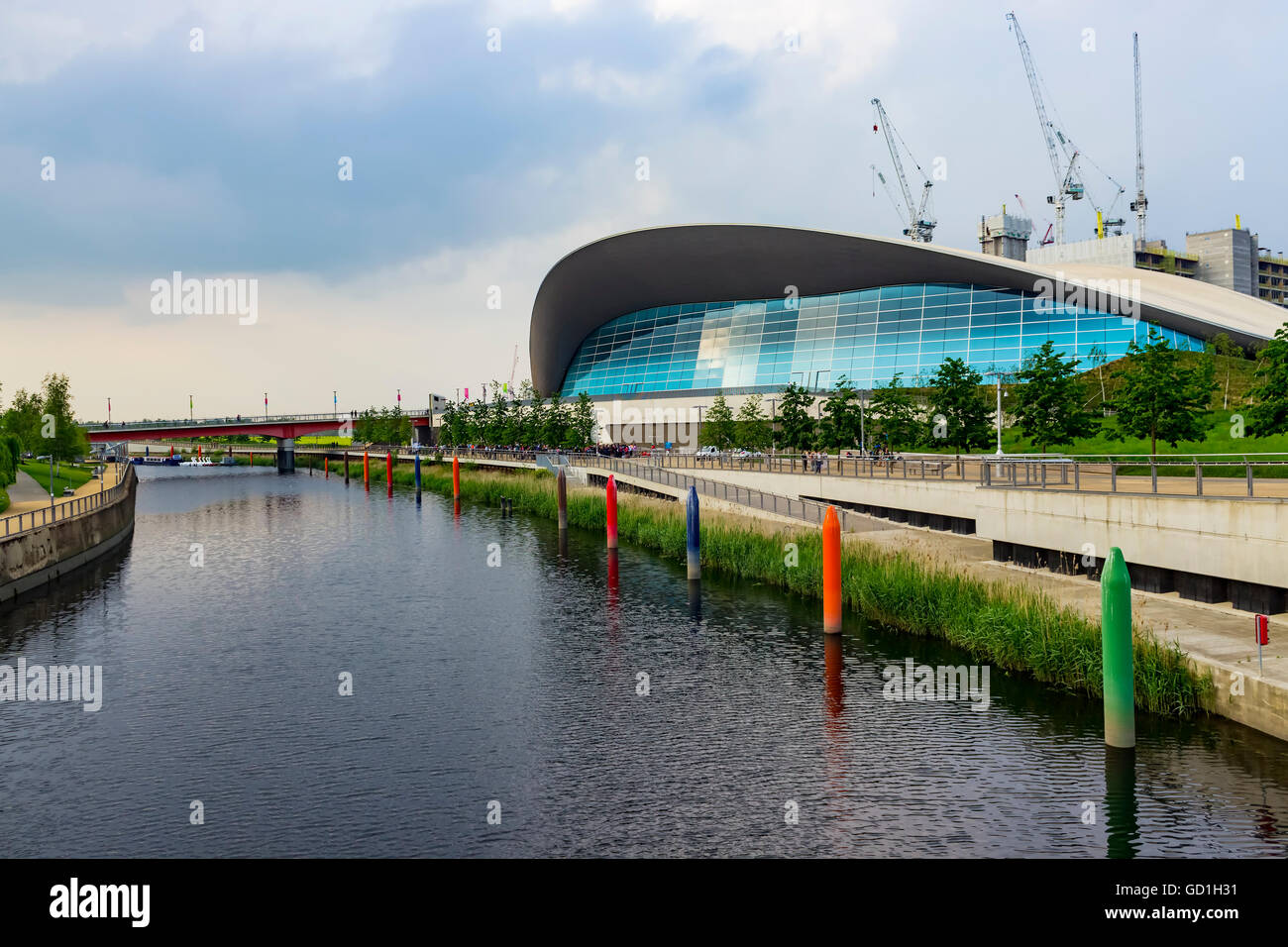 Aquatics centre london olympic swimming stock photos - Queen elizabeth olympic park swimming pool ...