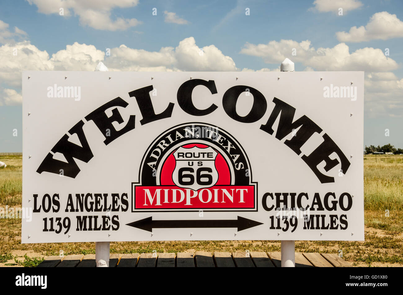 Adrian, Texas, is the halfway point for travelers on Route 66. Chicago and Los Angeles are each 1139 miles from - Stock Image