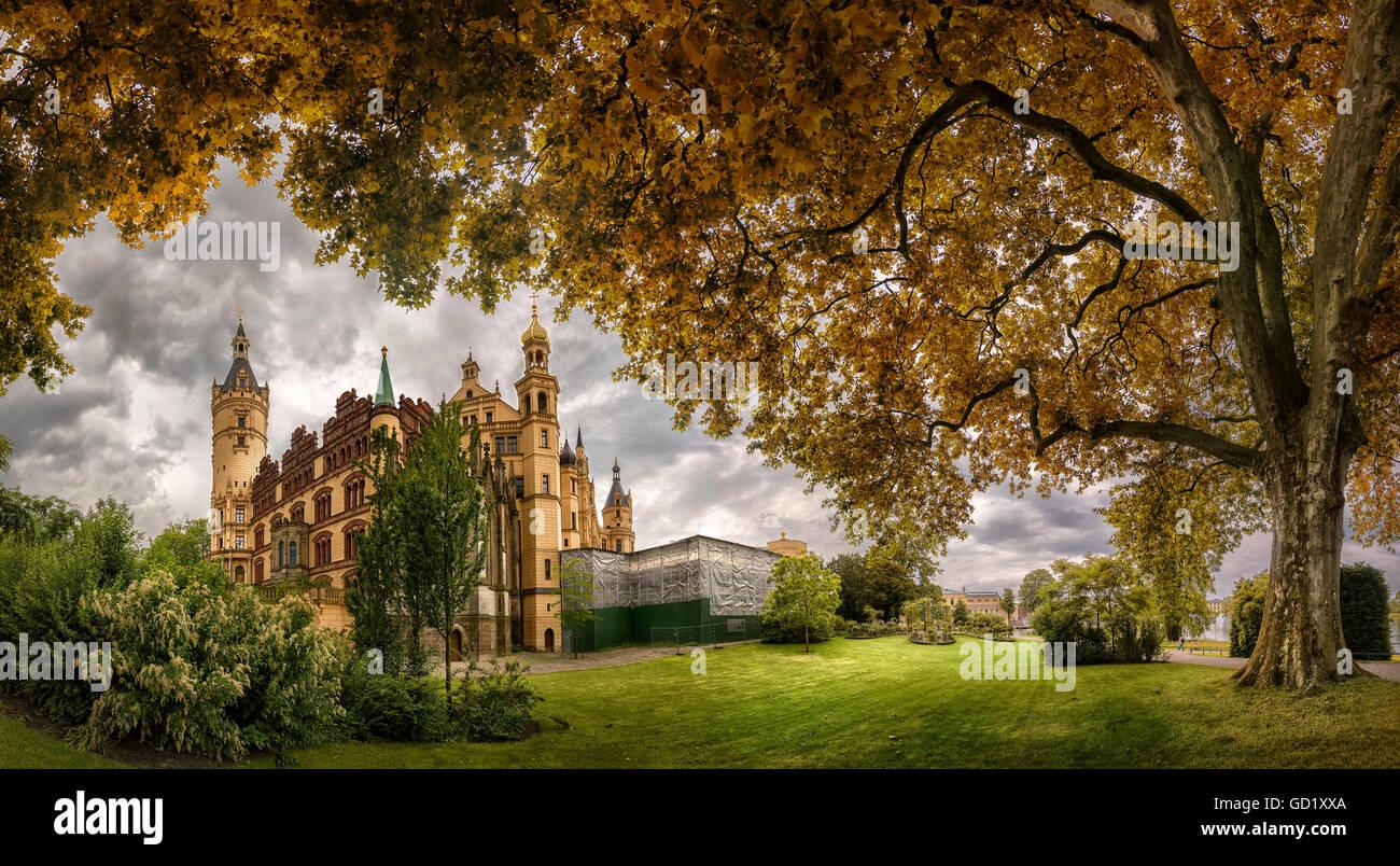 Schwerin Palace, Mecklenburg Western Pomerania, Germany | Schweriner Schloss, Schwerin, Mecklenburg Vorpommern, - Stock Image