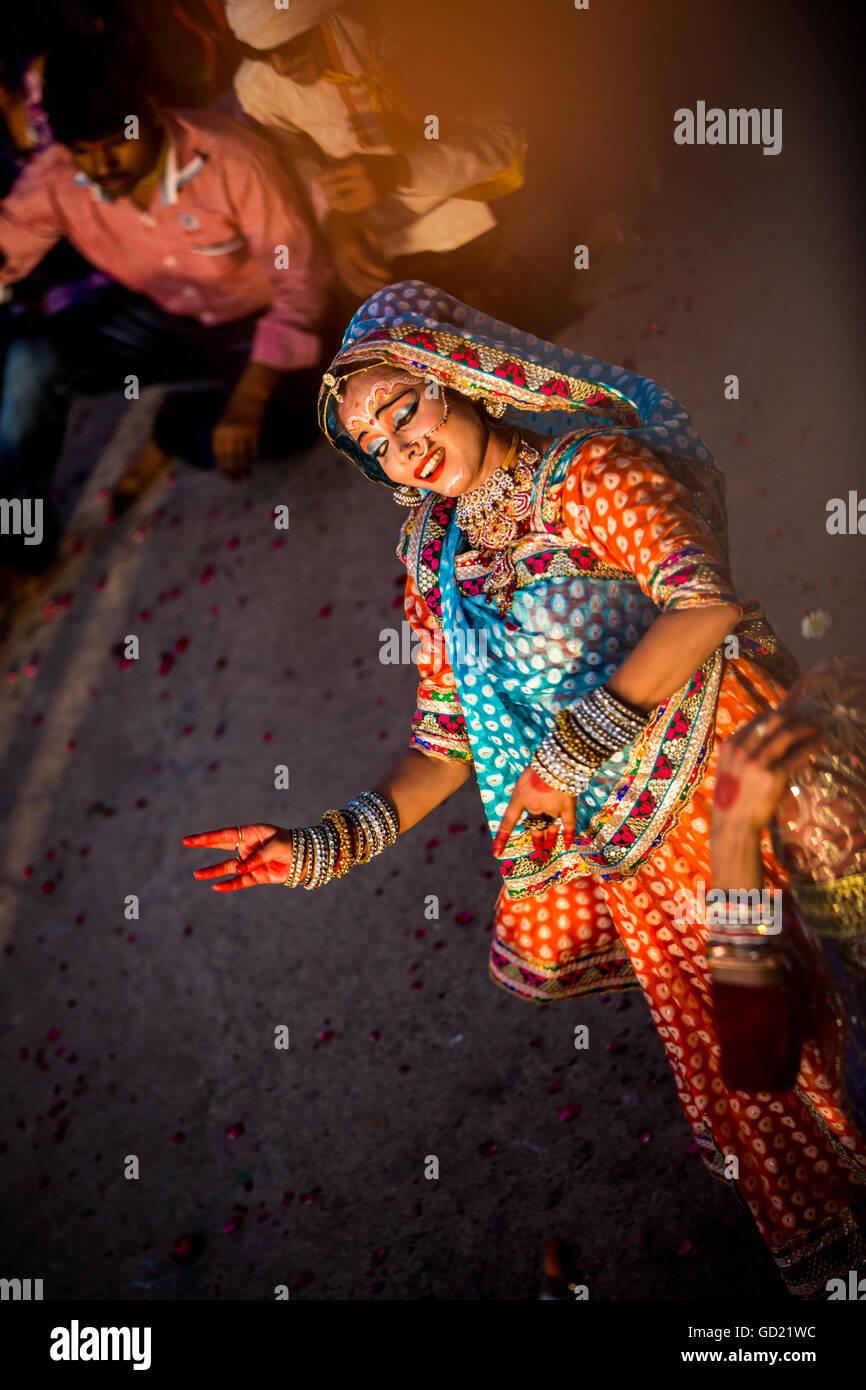 Traditional Radha dance during the Flower Holi Festival, Vrindavan, Uttar Pradesh, India, Asia - Stock Image