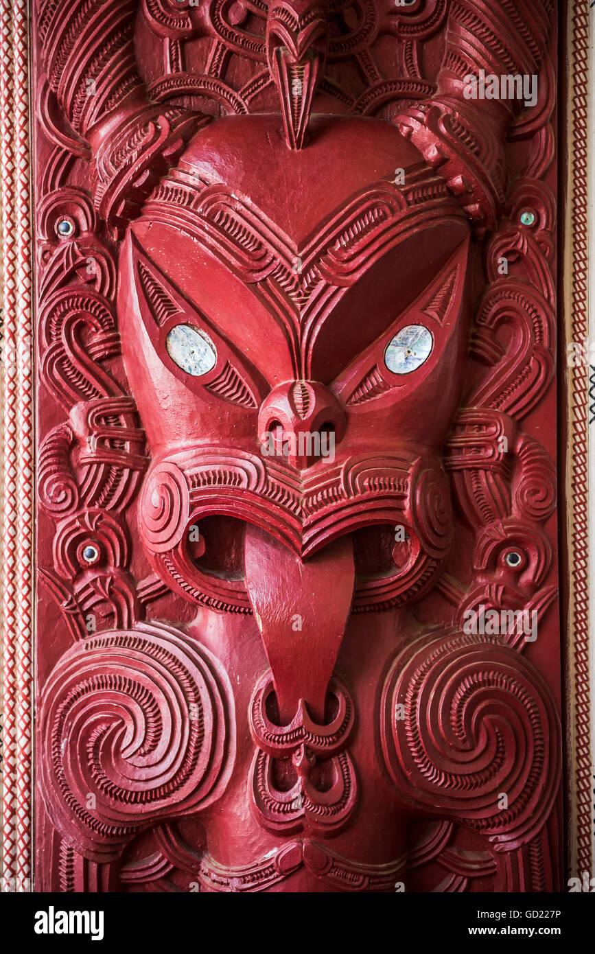 Wooden carving at a Maori Meeting House, Waitangi Treaty Grounds, Bay of Islands, Northland Region, North Island, - Stock Image