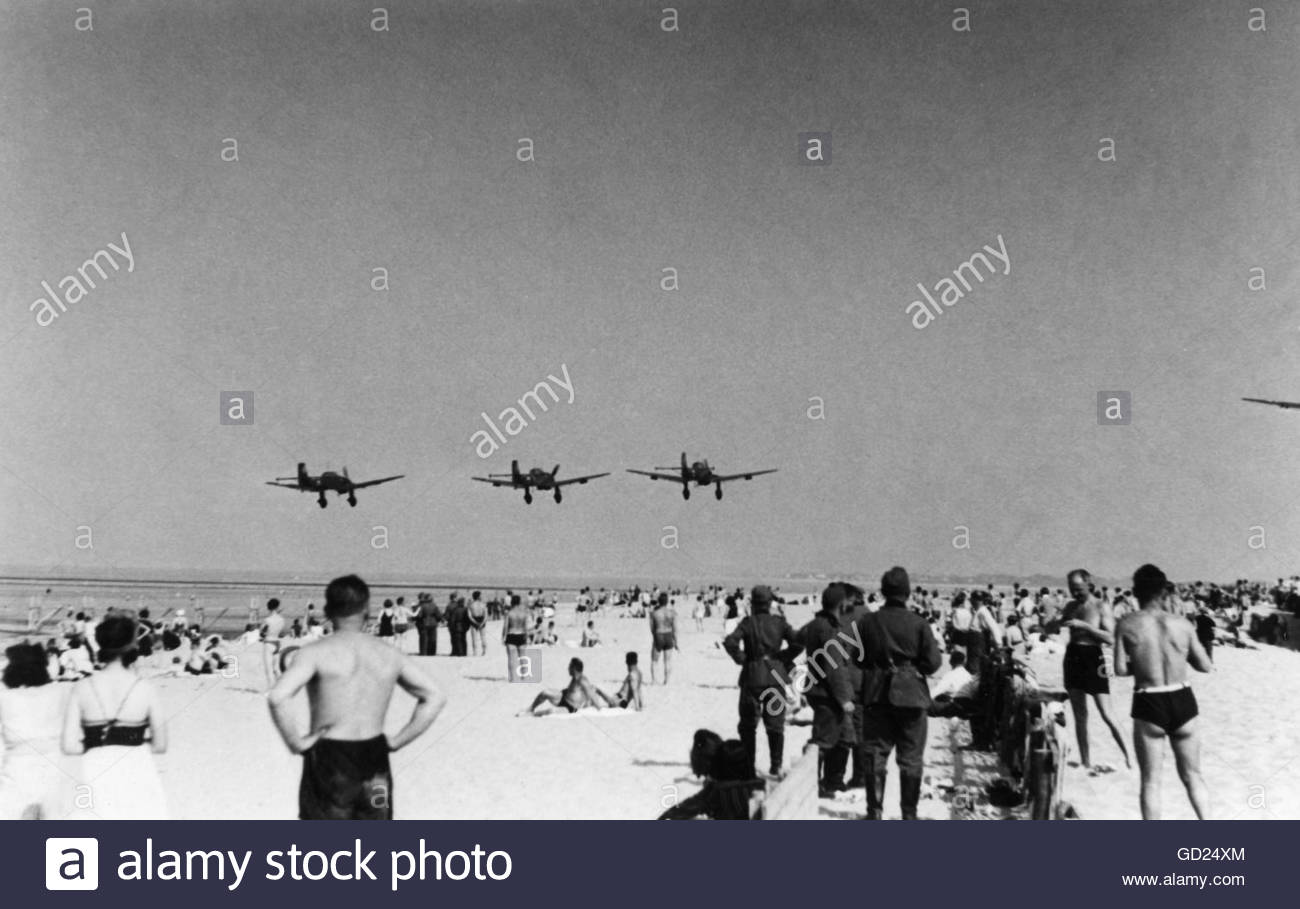 events, Second World War / WWII, aerial warfare, aircraft, a squadron of dive bombers Junkers Ju 87 B in low level - Stock Image
