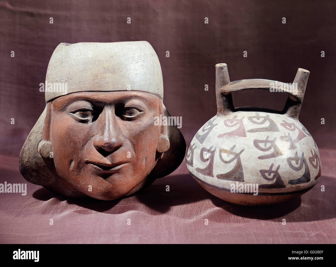 fine arts, Peru, ceramics, vessels in shape of a portrait and a stirrup, earthenware, painted, 8th century, Lindenmuseum - Stock Image