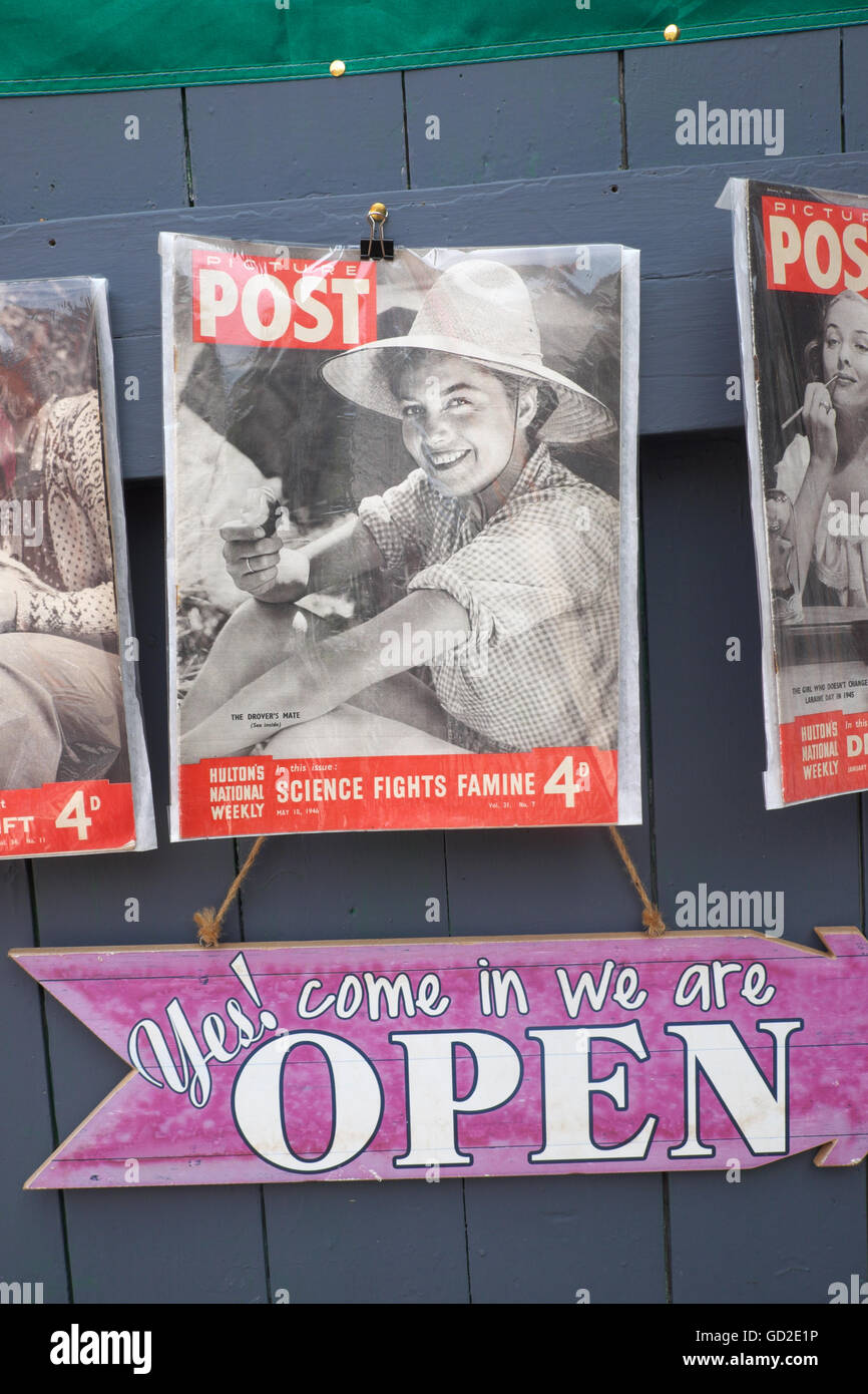 Picture Post magazine from 1946 on sale in a secondhand bookshop in Hay on Wye, Wales - Stock Image