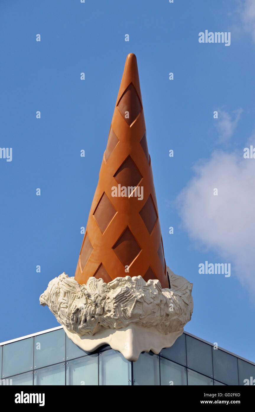 fine arts, objects of art, 'Dropped Cone', by Claas Oldenburg and Coosje van Bruggen, Neumarkt Galerie, - Stock Image
