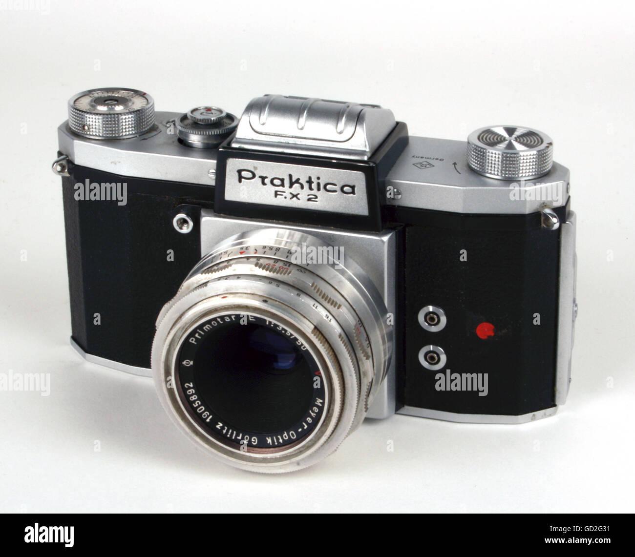 photography, cameras, reflex camera Praktica F.X 2, design: design by factory, made by: VEB Kamera- und Kinowerke - Stock Image