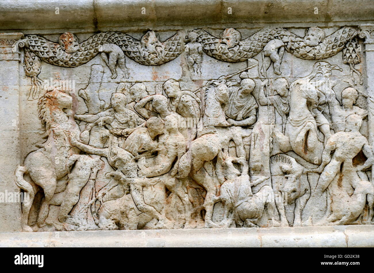 fine arts, ancient world, frieze on the west side of the mausoleum of Glanum: a battle piece of the Trojan war with - Stock Image