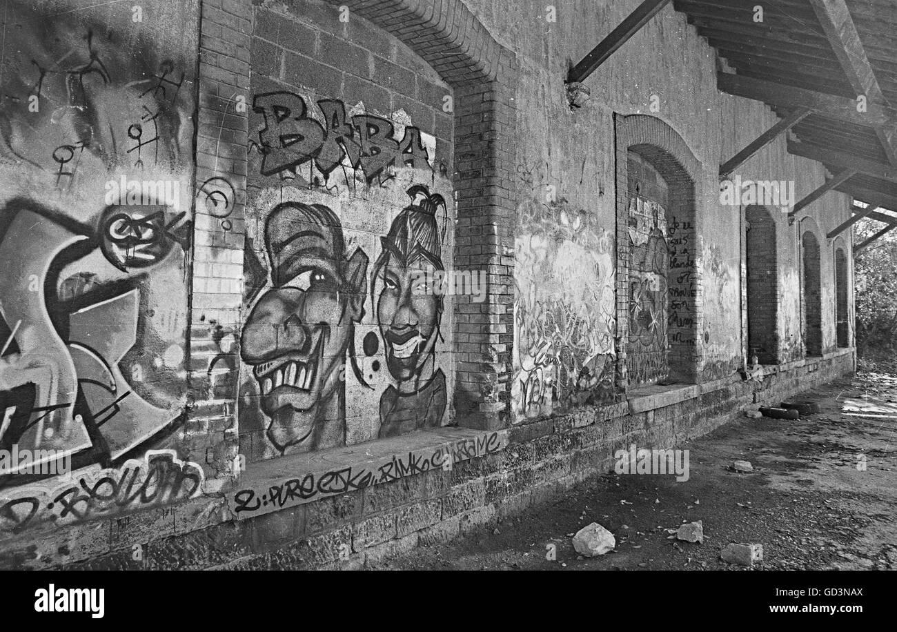 Graffiti on wall - Stock Image