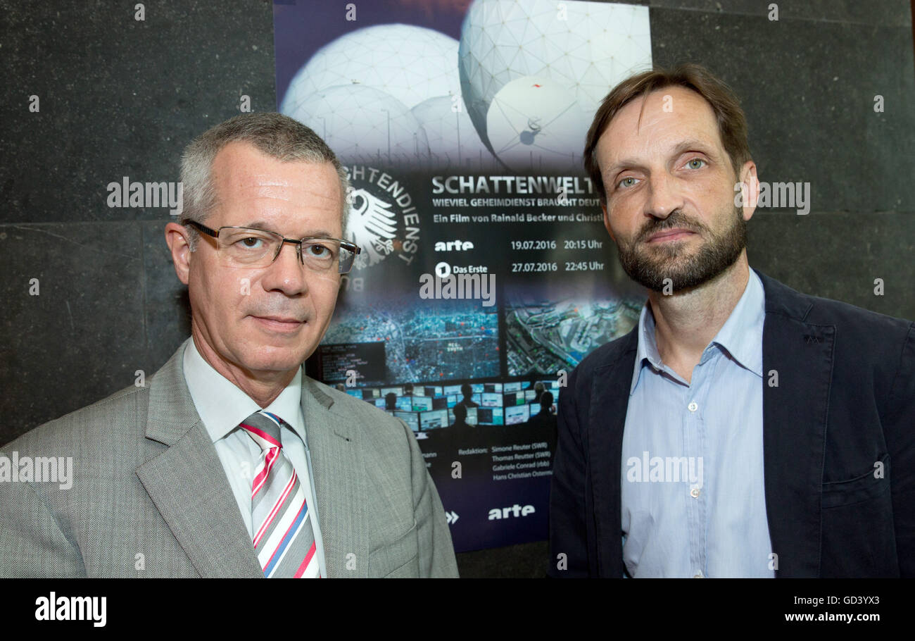 Journalist Christian H. Schulz (r) and Rainald Becker, new editor-in-chief of the public service broadcaster ARD, - Stock Image
