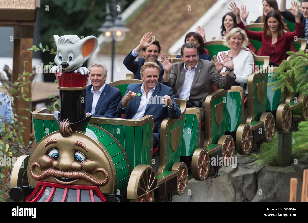 Rust, Germany. 12th July, 2016. Juergen and Roland Mack (first row, l-r), Thomas and Michael Mack (second row, l - Stock Image
