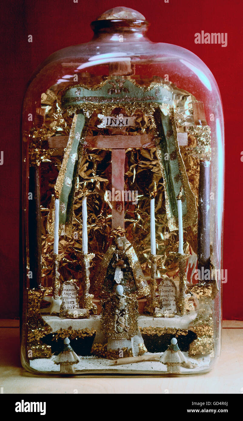 fine arts, folk art, impossible bottle with altar, crucifix, Madonna and priest, glass, Southern Germany, 19th century, - Stock Image