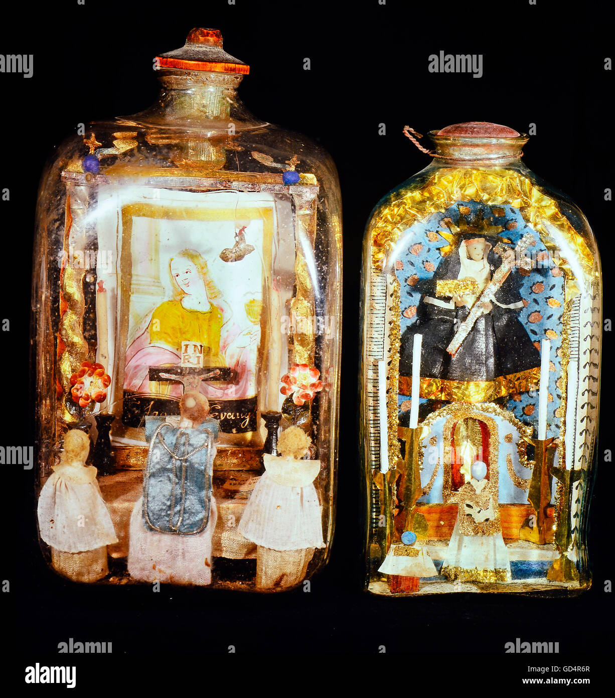 fine arts, folk art, impossible bottles with altars and priests, glass, Upper Bavaria / Upper Austria, 1st half - Stock Image
