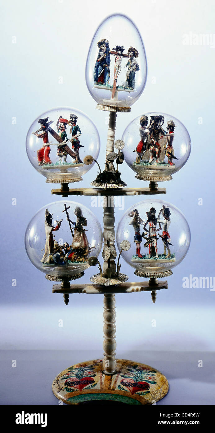 fine arts, folk art, balls in style of impossible bottles with scenes of the way of the cross, glass, bone, wood, - Stock Image