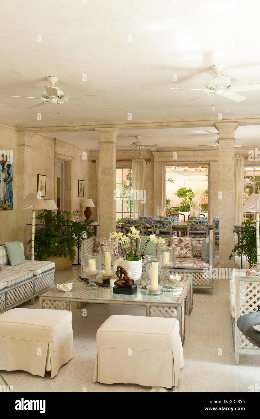 Sitting room with pillars in of Leamington House colonial villa, Barbados - Stock Image