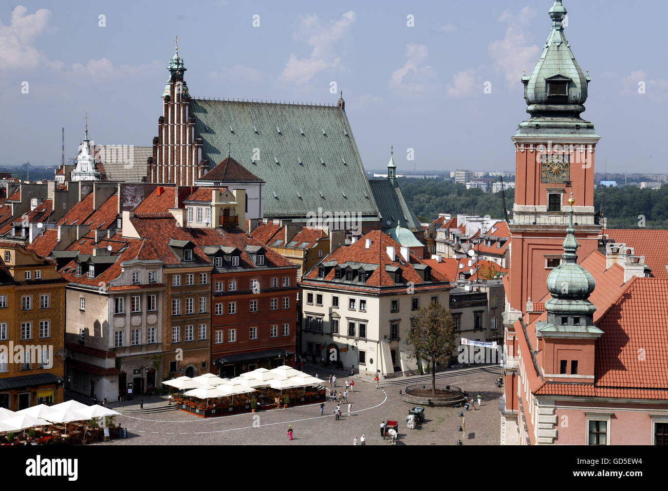 the Zamkowy Square in the City of Warsaw in Poland, East Europe. - Stock Image
