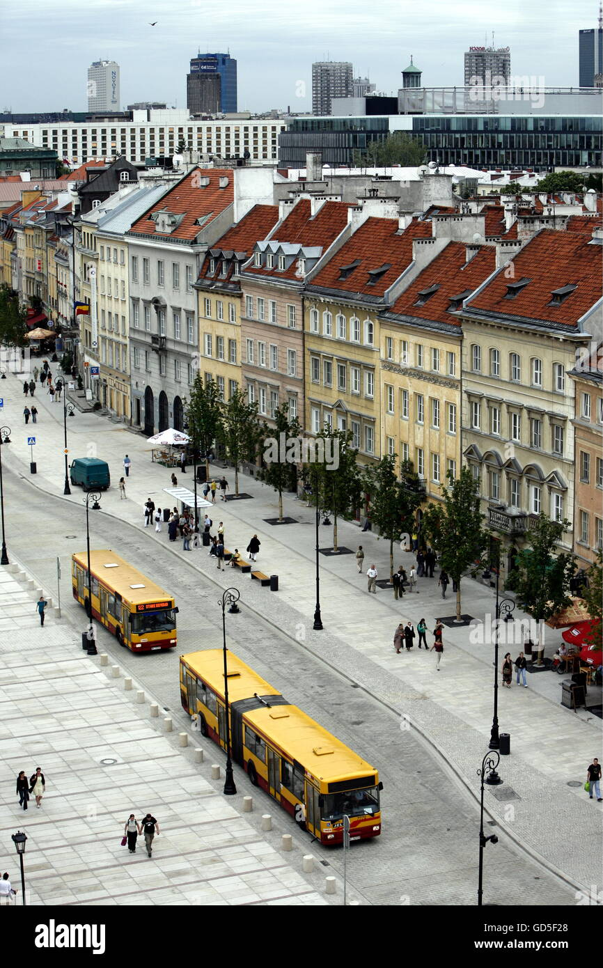 the Zamkowy Square in the old town in the City of Warsaw in Poland, East Europe. - Stock Image