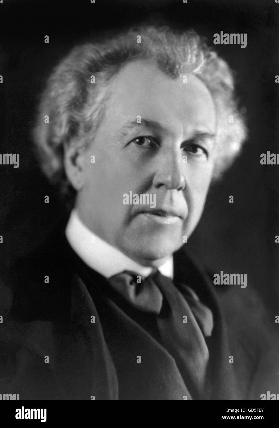 Frank Lloyd Wright. Portrait of the renowned American architect  c.1926. - Stock Image