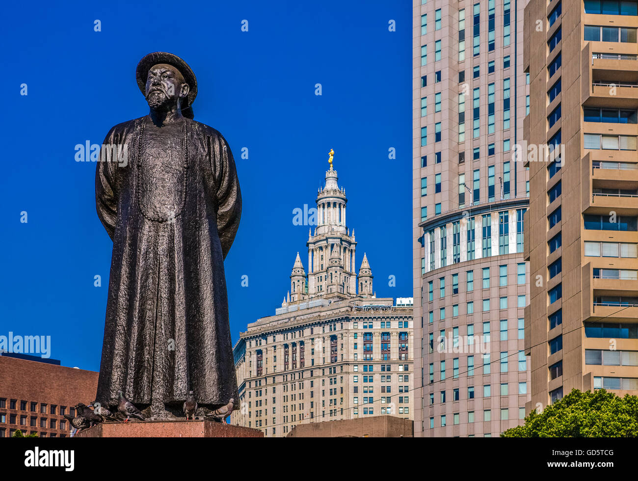 U.S.A., New York,Manhattan,Chinatown,the monument to Lin Ze Xu in Kim Lau square Stock Photo