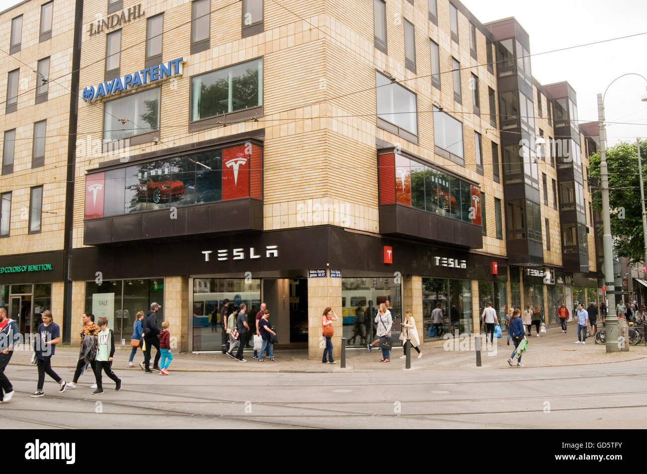 tesla car showroom Gothenburg Sweden high street dealer dealership dealerships showrooms cars Gothenburg Göteborg - Stock Image