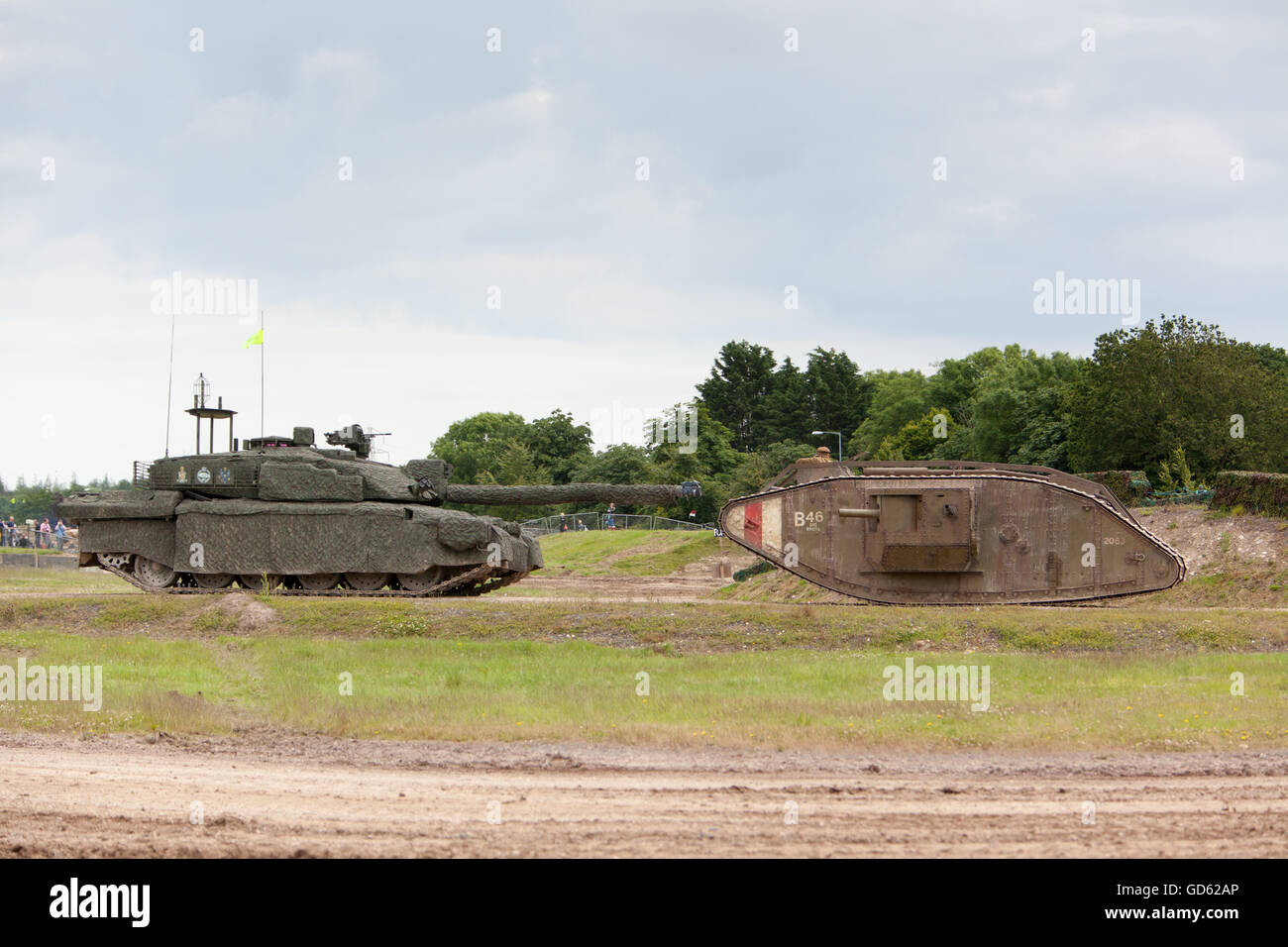 Tankfest, bovington, 2016 Challenger 2 and First World War Mark IV (replica) Tank (as used in War Horse movie) - Stock Image